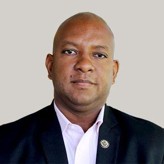 Hamilton Reserve Bank Ambassador-Terence-Craig